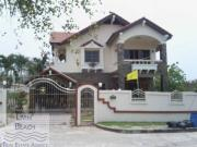 House for rent Jomtien Beach 3 bedrooms 3 bathrooms 312 sqm land 2 storey 45,000 Baht per month