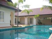 House for rent East Pattaya 4 bedrooms 4 bathrooms 538 sqm land 1 storey 70,000 Baht per month